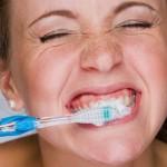 Como um adulto deve cuidar dos dentes?